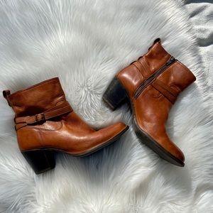 Frye Jackie Rivet Short Boot Size 9.5